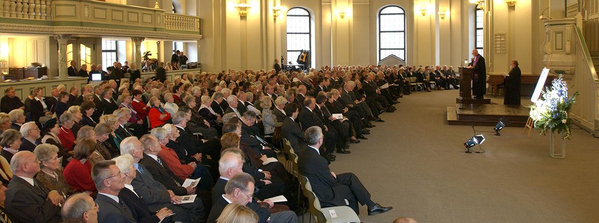 Verleihung der goldenen Medaille für Völkerverständigung und Versöhnung 2003
