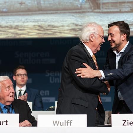 Begrüßung von Paul Ziemiak Prof. Dr. Otto Wulff und Paul Ziemiak (v.l.n.r.)
