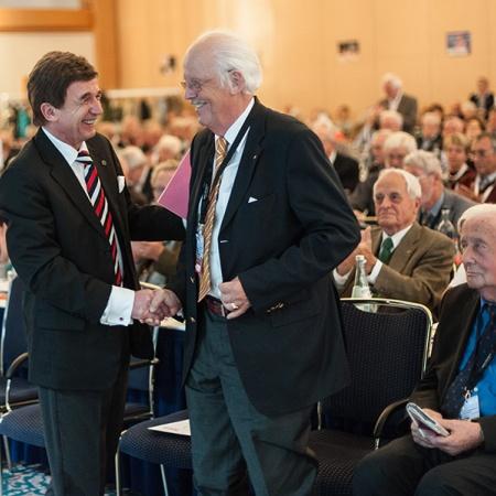 Gratulation zur Wiederwahl Heinz Soth und Prof. Dr. Otto Wulff (v.l.n.r.)
