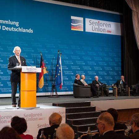 Anmoderation der Podiumsdiskussion zum deutsch-russischen Verhältnis im europäischen Kontext durch Prof. Dr. Otto Wulff