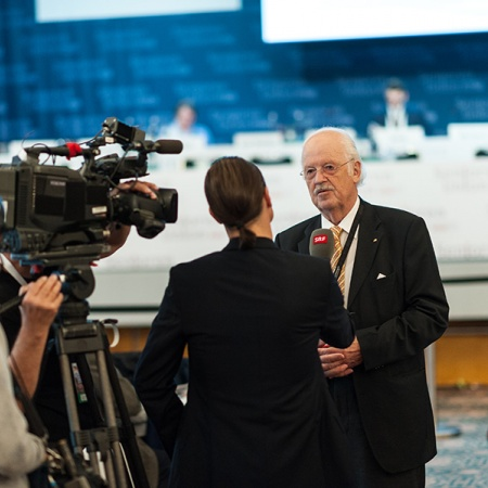 Prof. Dr. Otto Wulff im Interview mit dem Schweizer Fernsehen (SRF)