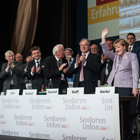 Applaus für die Bundeskanzlerin und Bundesvorsitzende der CDU Dr. Angela Merkel