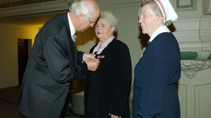 "Verleihung der ""Goldenen Medaille"""