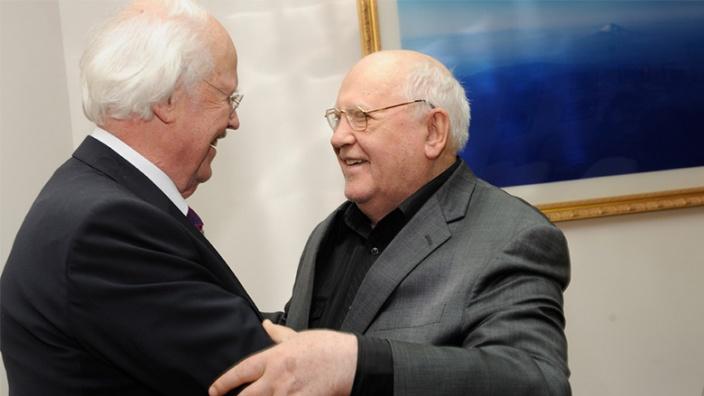 Präsident Gorbatschow und Prof. Dr. Otto Wulff als Bundesvorsitzender der Senioren-Union